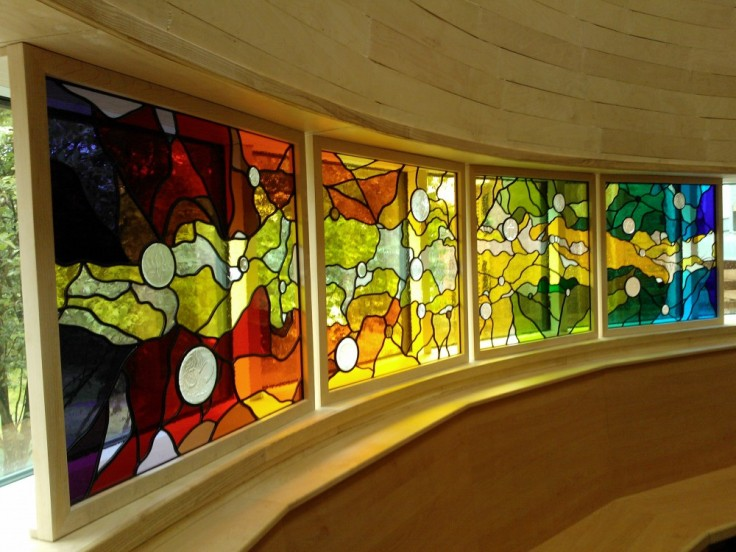 Web Copyright Paul Floyd Stained Glass 'Faith Centre, Kings CE School' 01