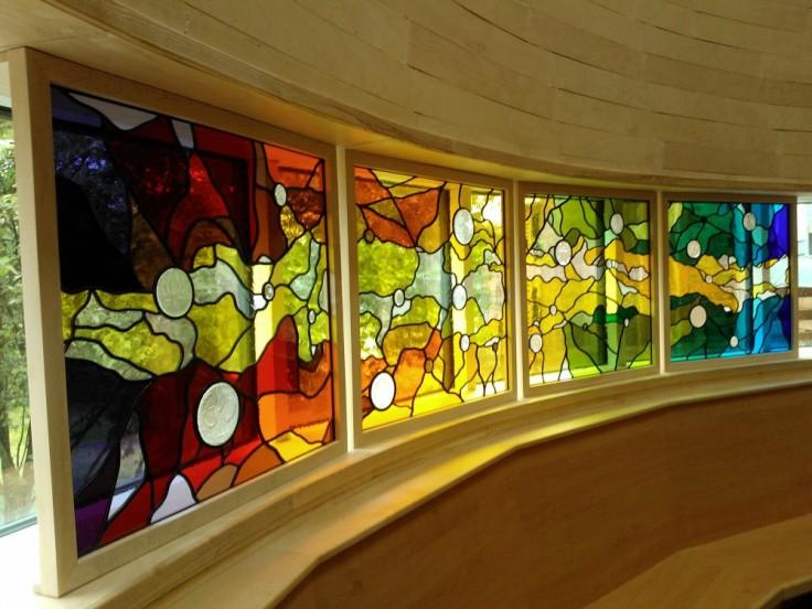 Web Copyright Paul Floyd Stained Glass 'Faith Centre, Kings CE School' 01